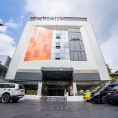 曼谷水門立方酒店