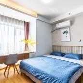 青島七月的風八月的雨公寓