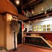 台中百老匯碟影旅館